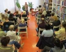 Tatjana Frumen o Reikiju v Knjižnici Toneta Seliškarja Trbovlje