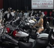 Na odtvoritvi razstave motornih koles je bilo vroče