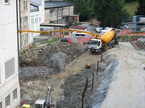 IMG 6400 Urejanje gradbene jame, julij 2014