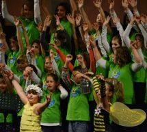Utrinki z revije otroških in mladinskih pevskih zborov